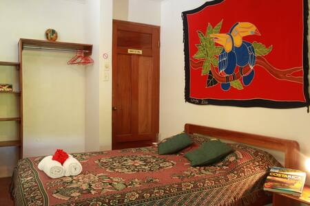 Hotel El Mono Feliz - Ojochal - Bed & Breakfast