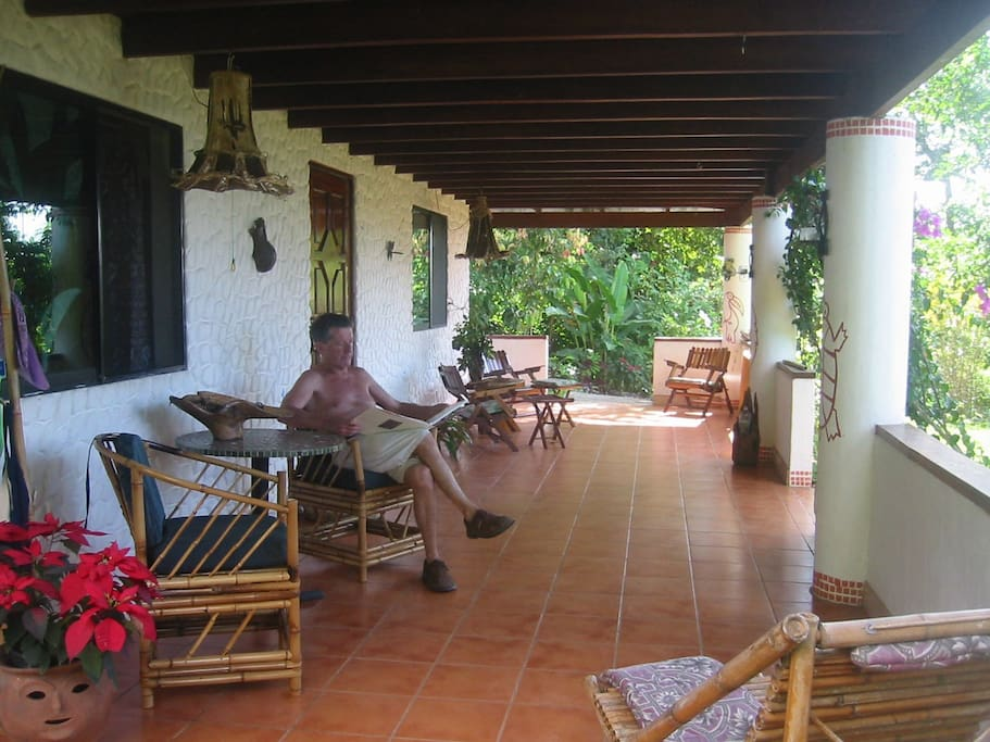 Quarto del Mar sleeps 2 with private bath views on ocean and jungle