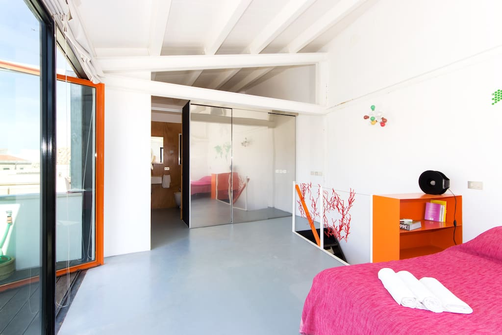 Closet and exit to terrace