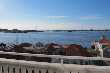 Sea view, Fiskebäckskil, sleeps 10