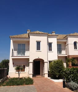 House in Golf Club Andalucia - Rumah