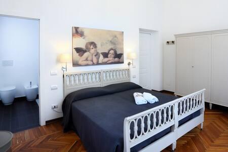 N15 B&B (3 BR Apartment) - Bed & Breakfast