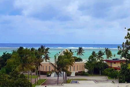 Guamanian Getaway with Terrace and Ocean Views! - Gehele Verdieping