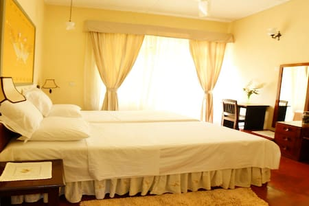 River Grove Home Stay B&B Hibiscus Room - Bed & Breakfast