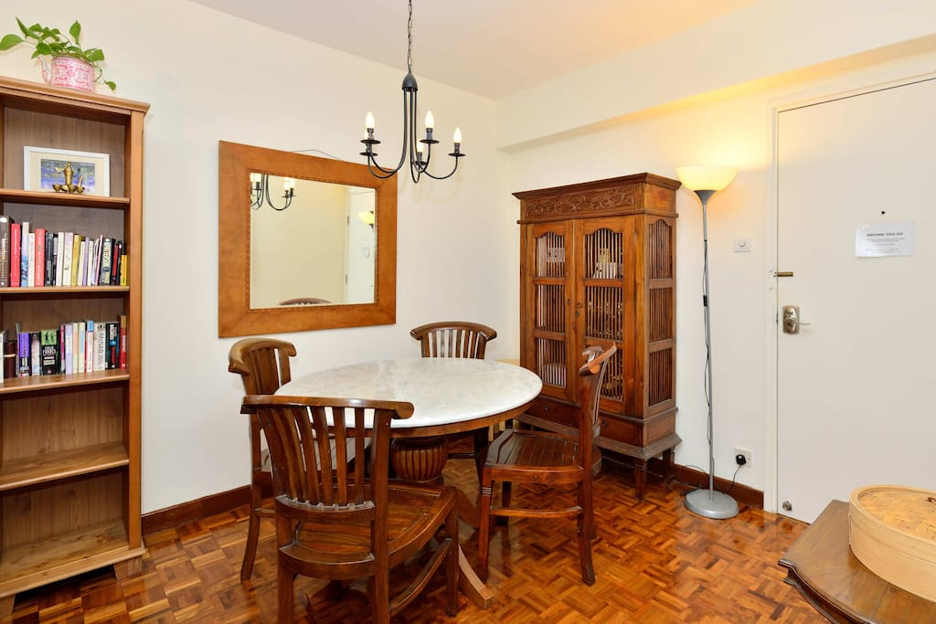 Large marble dining table with 4 chairs + 4 extra stools.
