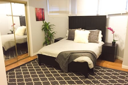 Huge 1 BR in Heart of Back Bay - Appartement en résidence