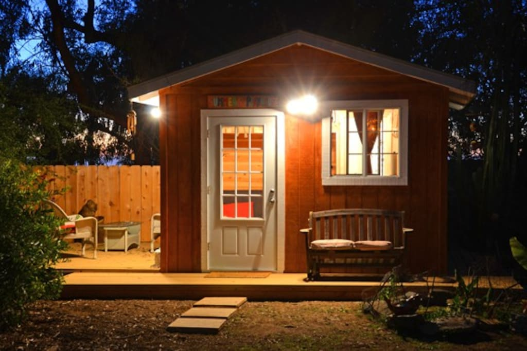 Tiny home near beach houses for rent in encinitas tiny for Tiny house pictures and plans san diego