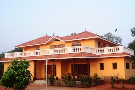 Idyllic villa near Auroville - Puducherry