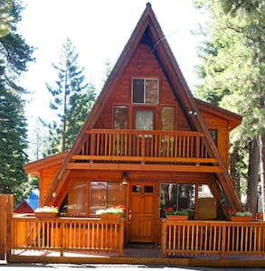 Deluxe Cabin with hot tub and sauna