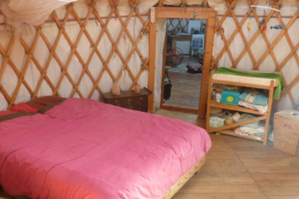 a yurt into the wild, yourte nature