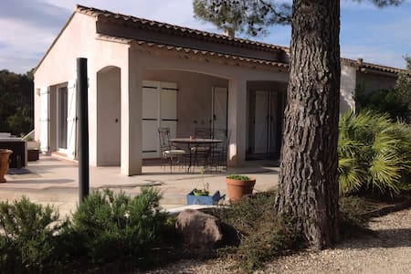Villa Pierrefeu-du-Var - Villa