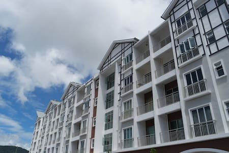 Somer Square Apartment in Golden Hills - Apartament