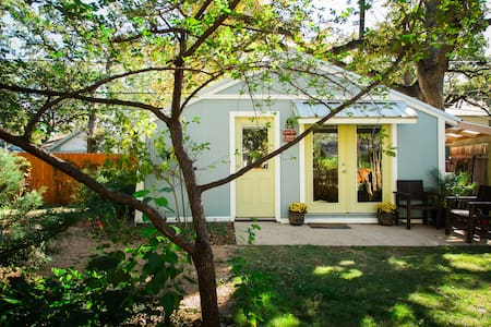 Historic Hyde Park guest house! - Austin - House