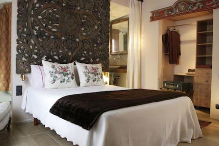 Villa Agua de Sal_Suite con terraza - Castell-Platja d'Aro