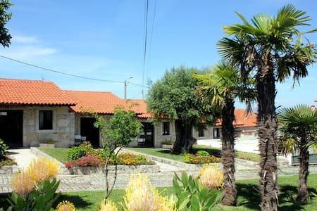 Casas em pedra inseridas em Quinta-> Casa 2-T1 - Viana do Castelo - Casa