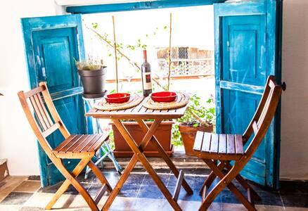 apartamento con una terraza con una vista única - Bosa