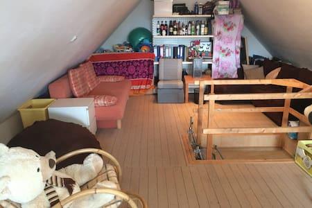 Ausgebauter Dachboden - Moormerland - Stadswoning