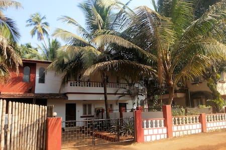 LuxurySuite AC Villa Candolim Beach - Candolim - Villa