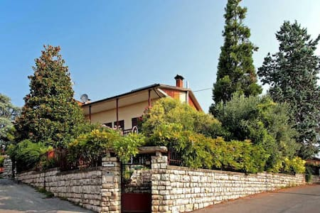La camera verde - Bedizzole - Bed & Breakfast