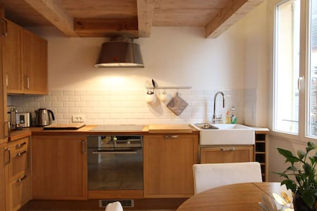 Spacious, Airy Old Town Apartment
