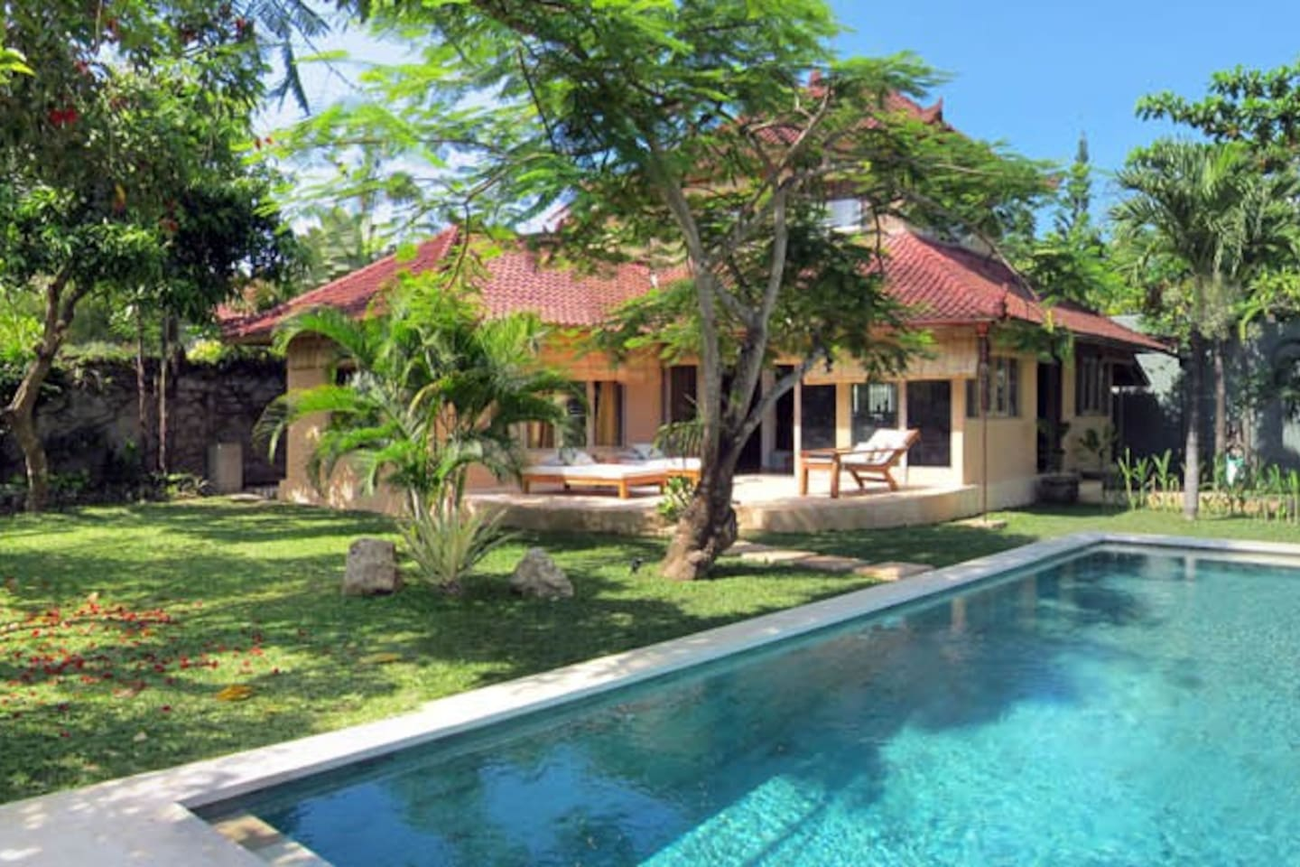 General view of the house, garden and pool. Enjoy a luxurious privacy in the heart of Seminyak.