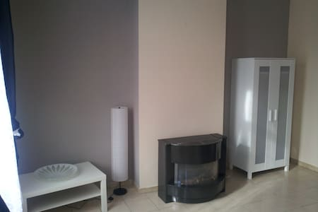 Quiet apartment near Midi Station - Appartamento