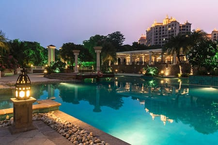 Quiet Sea facing Retreat in town! - Mumbai - Wohnung