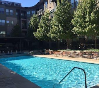 Modern clean apartment in Dallas - Dallas - Apartment