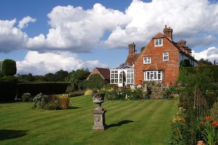 Butlers Farmhouse - Bed & Breakfast