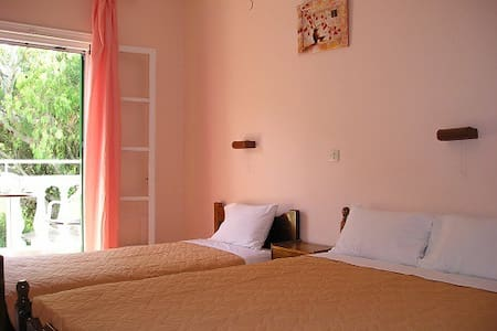 Studio for 3 just 200m from the sea - Altro