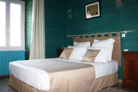 "La Ganache - Room ""Fayolle"" - Saint-Astier - Bed & Breakfast"