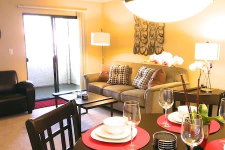 ***5-Star Ratings! 1BR, wifi, pool* - Sunnyvale - Appartement en résidence
