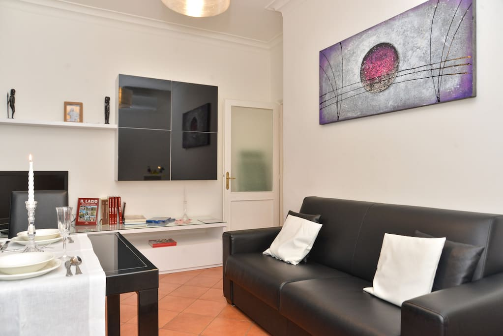 DINING ROOM - WITH AIR CONDITIONING - WORKSTATION  WIFI - TV SAT