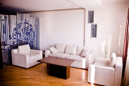 Elegant Apartment near the Opera - Huoneisto
