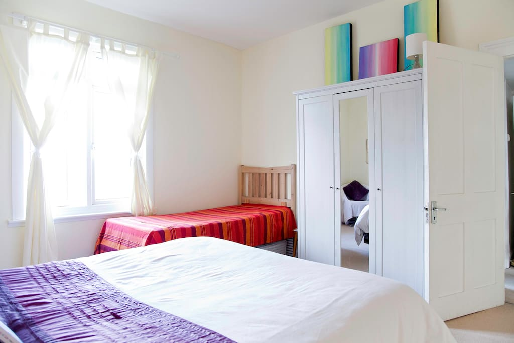 Very large 25sq metre bright and spacious room. Perfect for couples or groups of 3-4.