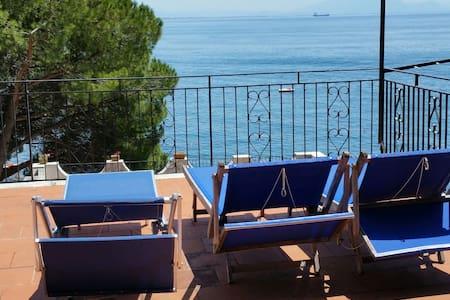 Costiera Amalfitana case sul mare.. - Rumah