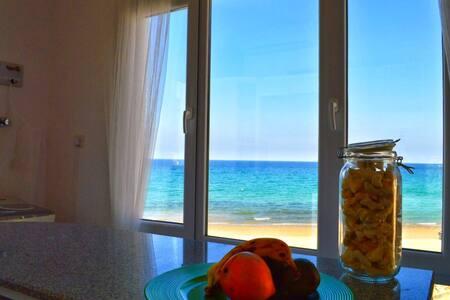 Heaven Panoramic Beach House - Muscat