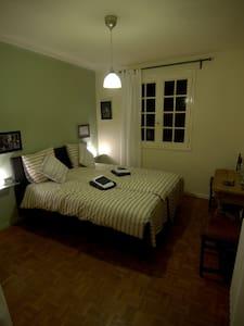 mooie kamer - Soula - Bed & Breakfast