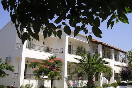 Cozy apartment for 4-5p in Corfu - Ermones