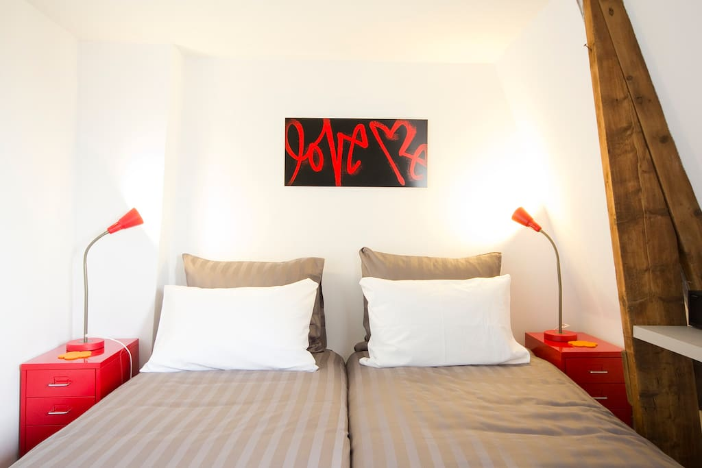 Room in the heart of Amsterdam