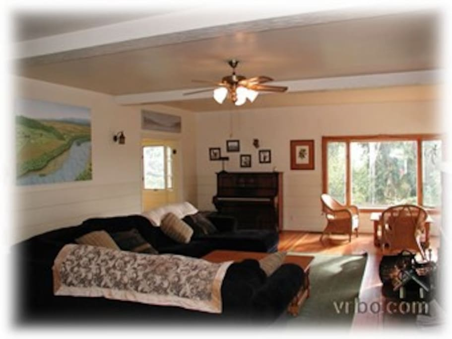 Spacious living room, perfect for all being together
