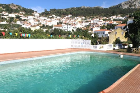 Villa with pool in the hills 70 km  - Hus