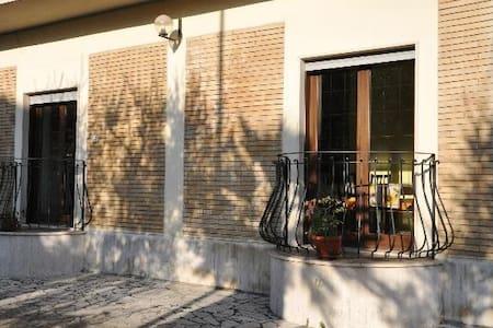 CAMPOLEONE STAZIONE APRILIA - Campoleone - Apartemen