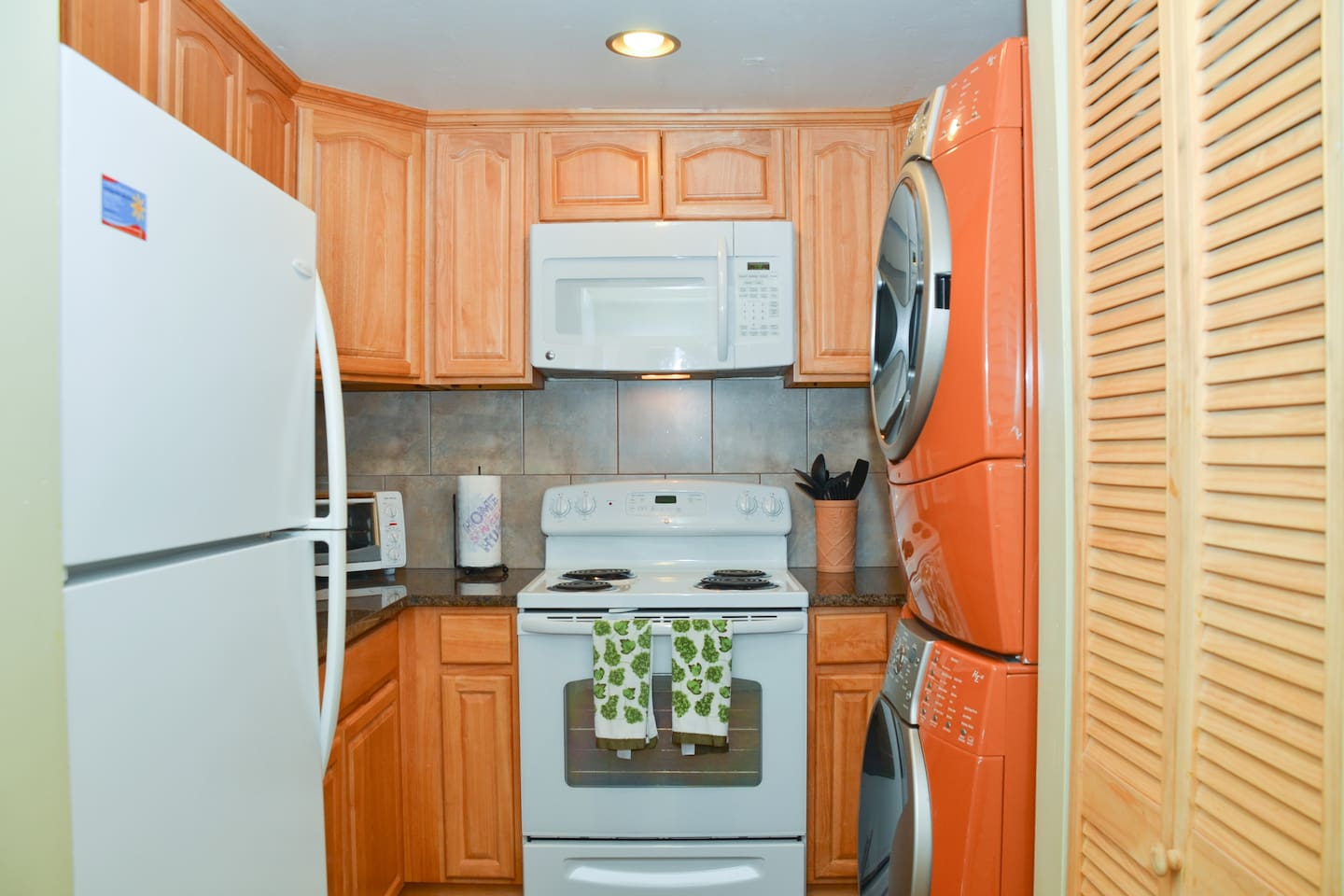 Very nice fully equipped kitchen with washer-dryer for your use.