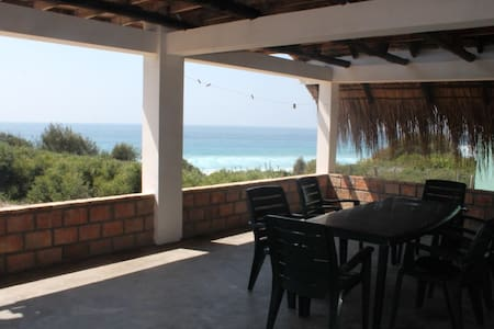 Casa Isabel, 50m from sea inTofhnio - Inhambane - House
