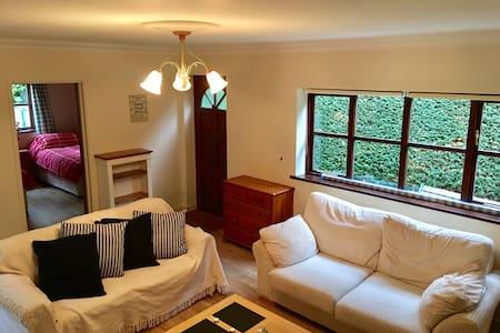 Two bedroom flat with parking - Garsington - Leilighet