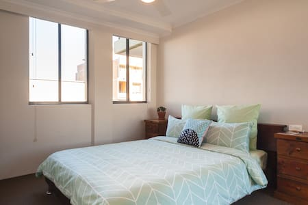Spacious Room near Darling Harbour - Pyrmont - Apartment