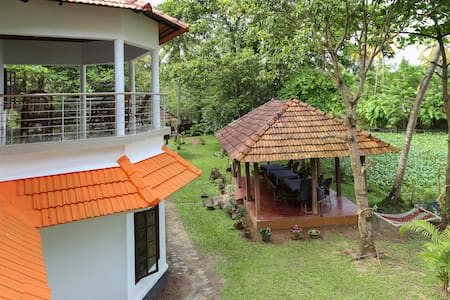 Lovedale Lakeside Homestay room 3 - Alappuzha - Bed & Breakfast