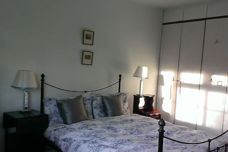 Large Double ensuite in family home - Henley-on-Thames - Bed & Breakfast