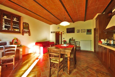 Love Nest Little di Tuscany WIFI - Apartmen